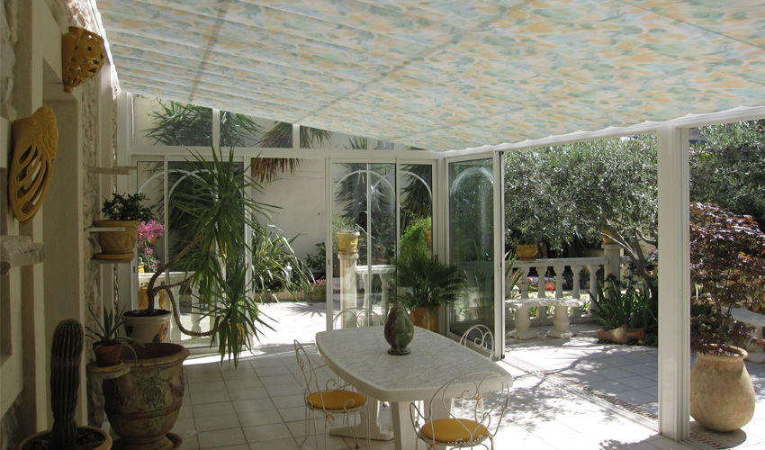 Volet roulant toiture protection solaire maison montpellier - Protection solaire maison ...